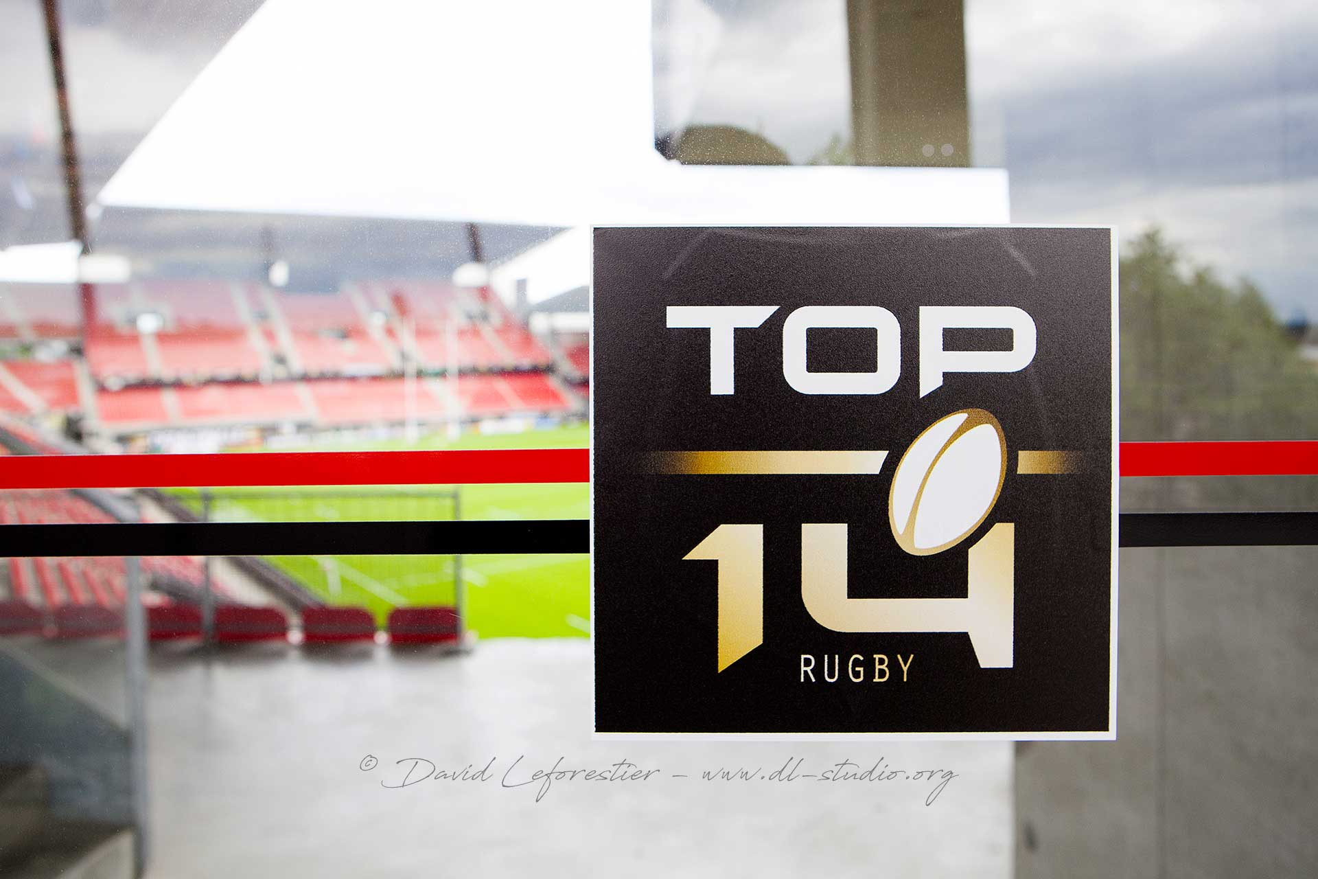 RUGBY-TOP-14-DEMIE-FINALE-CLERMONT-RACING-92-RENNES-1